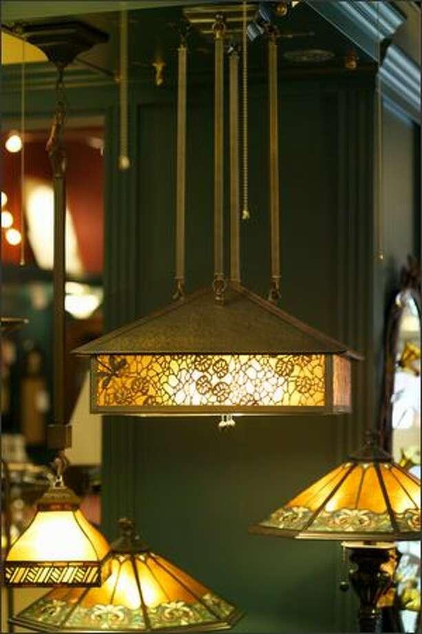 Harold's Fine Home Lighting Photo: Andrew Buchanan /
