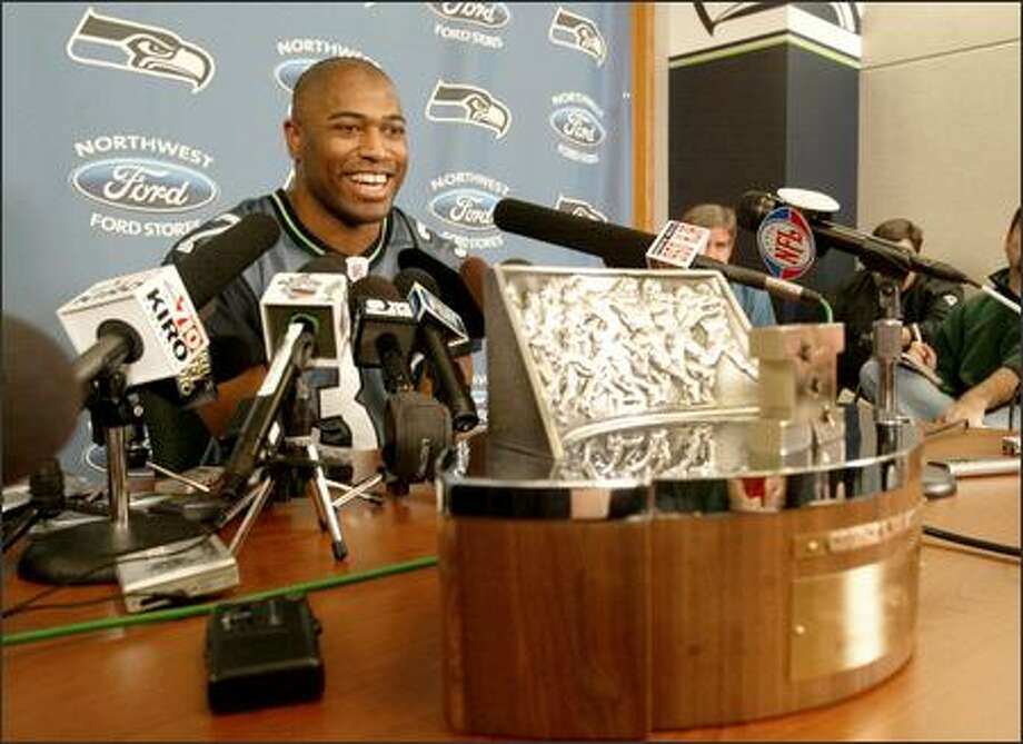 Shaun Alexander was coy with the media Monday, declining to make any direct comments about beating the Steelers in Super Bowl XL on Feb. 5. Photo: Scott Eklund/Seattle Post-Intelligencer