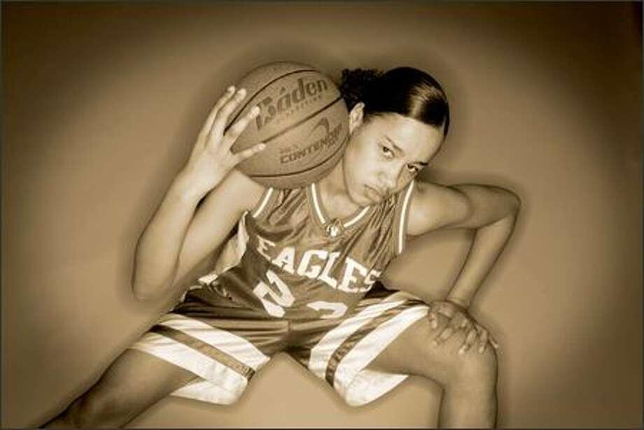 Salena Dickerson of Federal Way, the girls basketball MVP. Photo: Dan DeLong/Seattle Post-Intelligencer