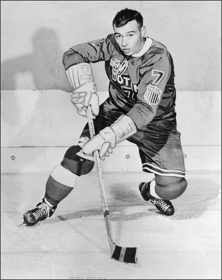 Guyle Fielder (seen here in 1959) is one of just three pro hockey players to surpass 2,000 career points. Photo: / P-I File