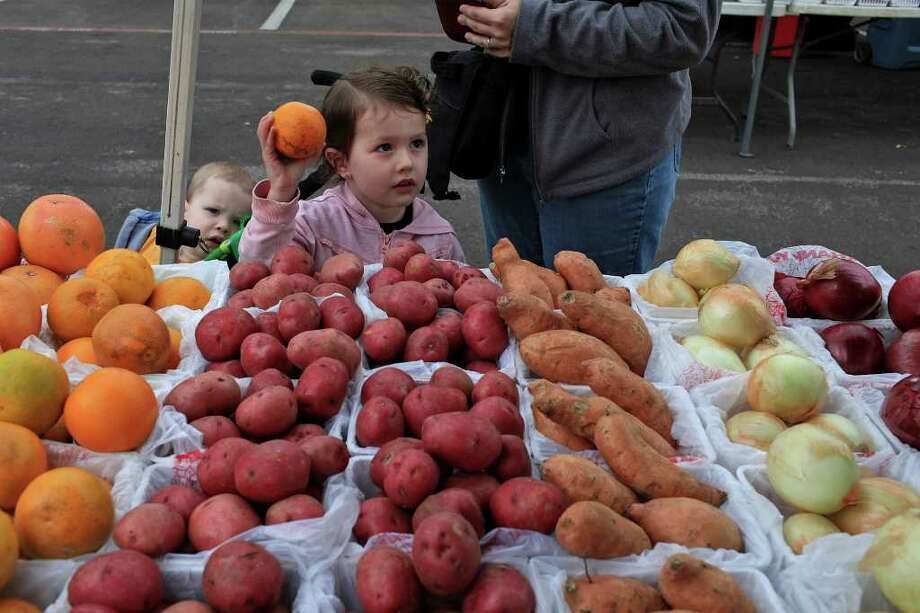 Friday - St. Matthew's Catholic ChurchYear round8 a.m. until 1 p.m. 11121 Wurzbach Rd, San Antonio, TX, 78253Website: San Antonio Farmers' Market Association Photo: Lisa Krantz/Express-News / SAN ANTONIO EXPRESS-NEWS