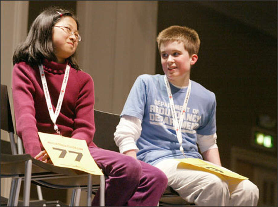 The contest came down to Elizabeth Zhang of Kelsey Creek Home School Center in Bellevue and Alex Murray of The Overlake School in Redmond. Zhang won the 17-round Bee. Photo: Meryl Schenker/Seattle Post-Intelligencer