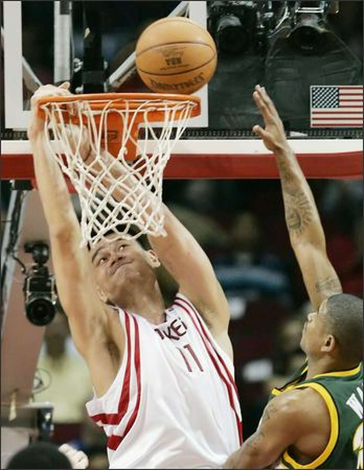 Rockets center Yao Ming had his way against the Sonics, finishing with 29 points, 10 rebounds, five assists and three steals.