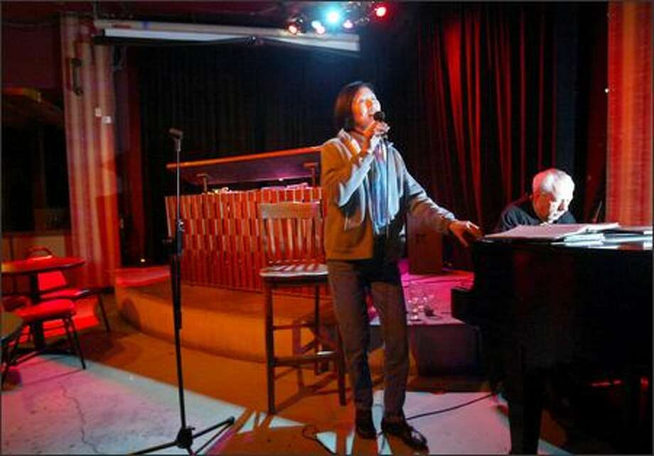 Piano man keeps the old gang together - seattlepi com