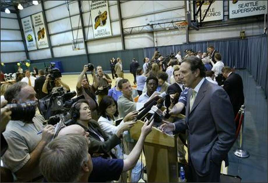"""""""The ultimate goal has been ... to preserve the future of professional basketball here in the Northwest region,"""" Howard Schultz says at a news conference Tuesday. Photo: Scott Eklund/Seattle Post-Intelligencer"""