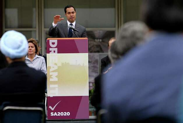 Mayor Julian Castro announces the first series of projects to come from SA2020 at the UTSA downtown campus on Saturday, Mar. 19, 2011. Kin Man Hui/kmhui@express-news.net Photo: KIN MAN HUI, Kin Man Hui/kmhui@express-news.net / San Antonio Express-News