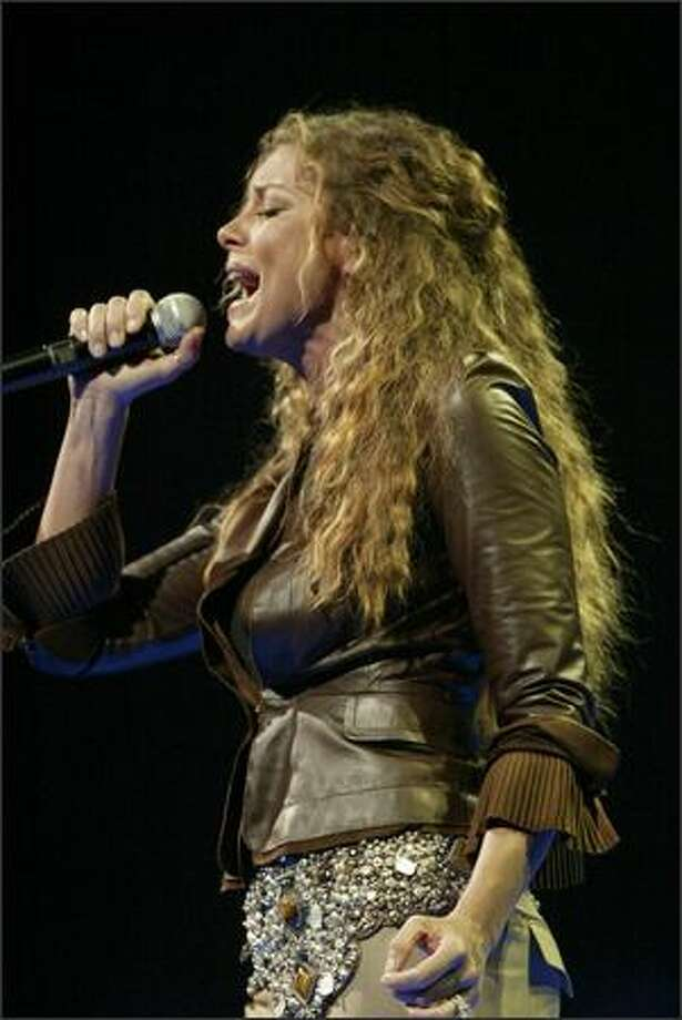 Faith Hill sings at KeyArena. Photo: Grant M. Haller/Seattle Post-Intelligencer