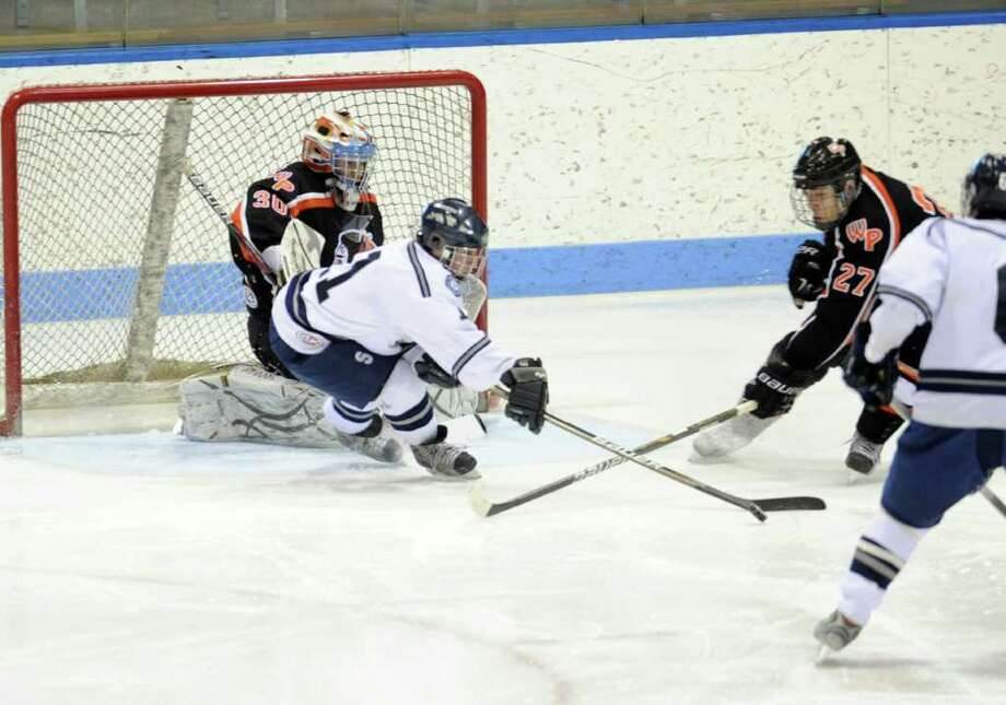 Watertown-Pomperaug takes on Staples-Weston-Shelton in the Division III state playoff game at Yale University's Ingalls Rink Saturday, Mar. 19, 2011. Photo: Autumn Driscoll / Connecticut Post