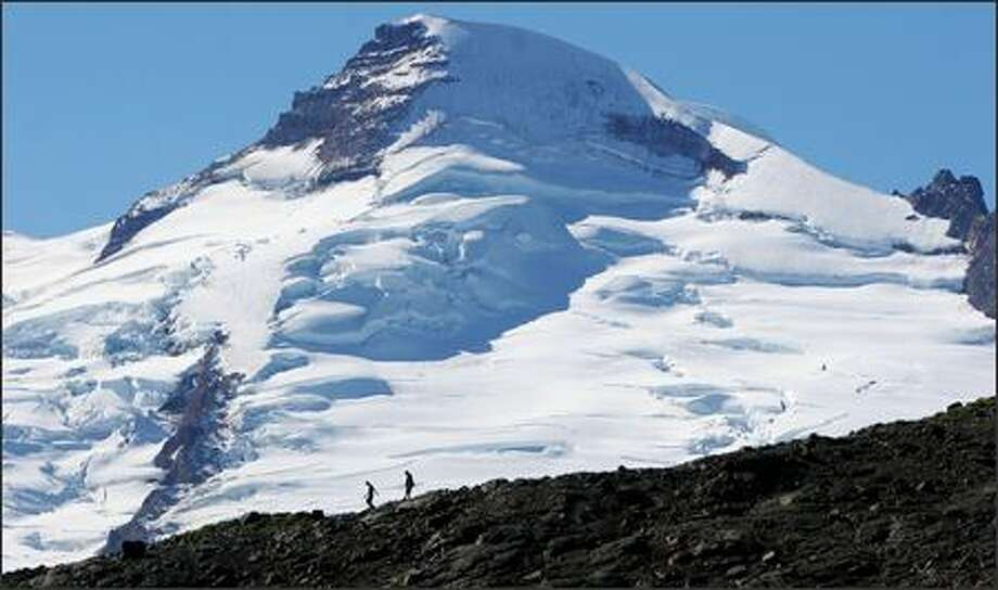 Hikers on the Ptarmigan Ridge Trail are treated to stunning views of Mount Baker's northeast face. Photo: Paul Joseph Brown/Seattle Post-Intelligencer