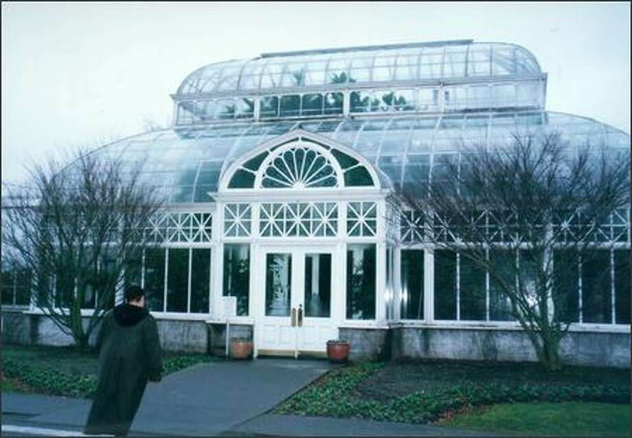 Tours of the Volunteer Park Conservatory are conducted Tuesdays through Thursdays and Saturdays, at 11 a.m. and 1 p.m.; 1400 E. Galer St. The cost is $25 per group and free for K-12 students. Reservations are required. Also, volunteers are needed to help in the gift shop and resource center. Photo: P-I FILE