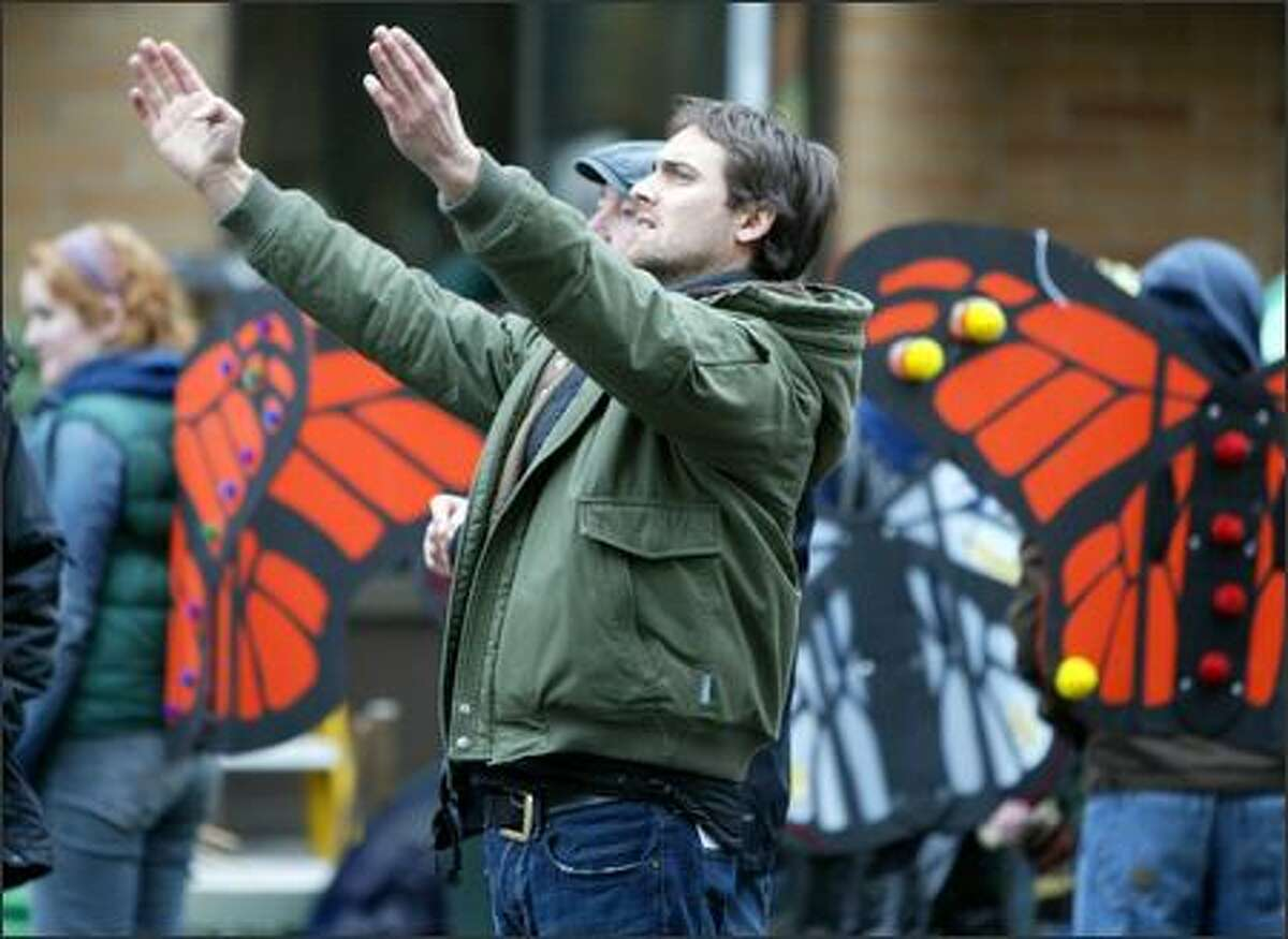 Stuart Townsend directs a shot Sunday during filming of