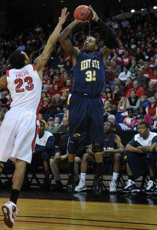 Kent State's Rodriguez Sherman shoots a jumper over Fairfield's Jamel Fields during their second round NIT matchup at the Webster Bank Arena at Harbor Yard in Bridgeport, Connecticut on Sunday, March 20, 2011. Photo: Brian A. Pounds / Connecticut Post