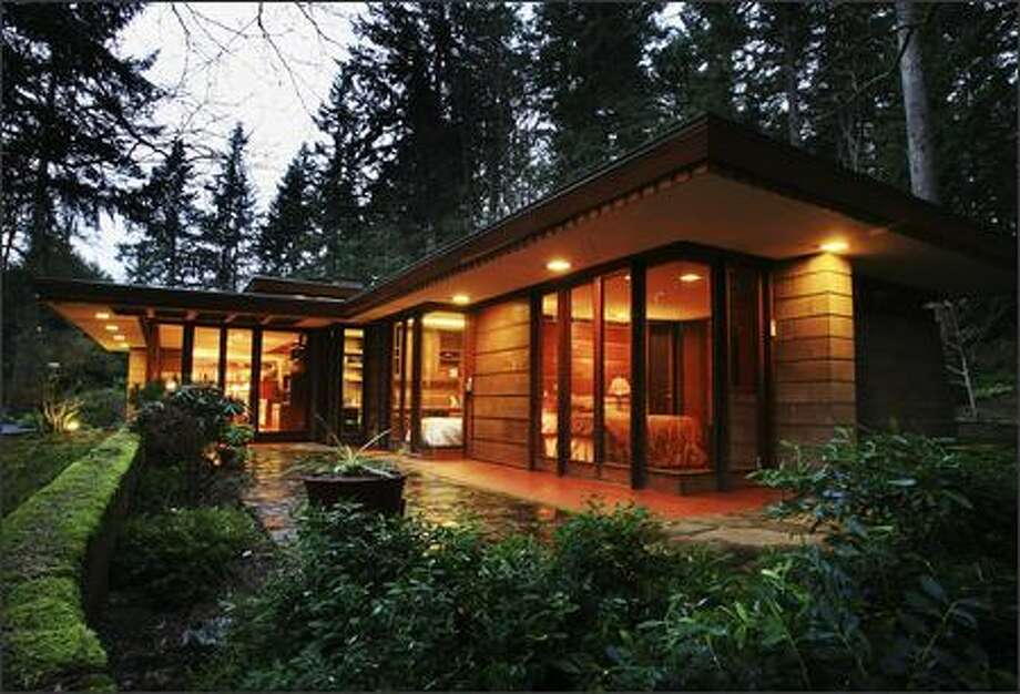 "The 1952 Brandes house in Sammamish is one of Frank Lloyd Wright's ""Usonia"" homes designed to offer beauty to families of average means. Photo: Dan DeLong/Seattle Post-Intelligencer"