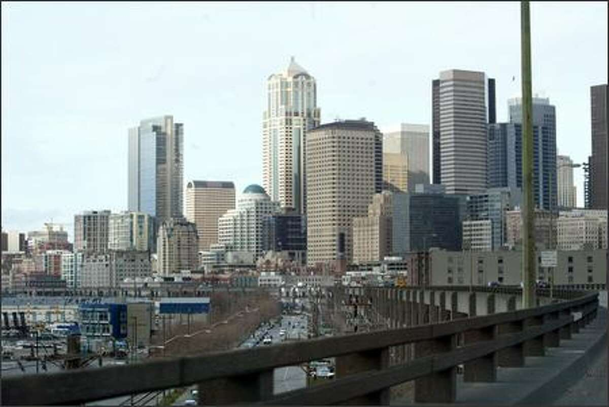 The Alaskan Way Viaduct offers a beautiful view of downtown Seattle, but finding a replacement for it is an ugly problem.