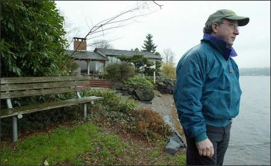 Marty Oppenheimer worked with neighbors to persuade the city to turn a tiny patch of land at the end of South Willow Street near Seward Park into a park. Photo: Paul Joseph Brown/Seattle Post-Intelligencer