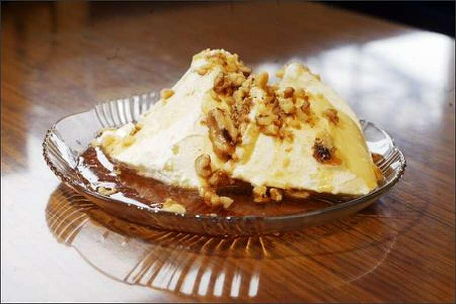 Greek yogurt served up at Voula's Offshore Cafe in Seattle. Photo: Karen Ducey/Seattle Post-Intelligencer