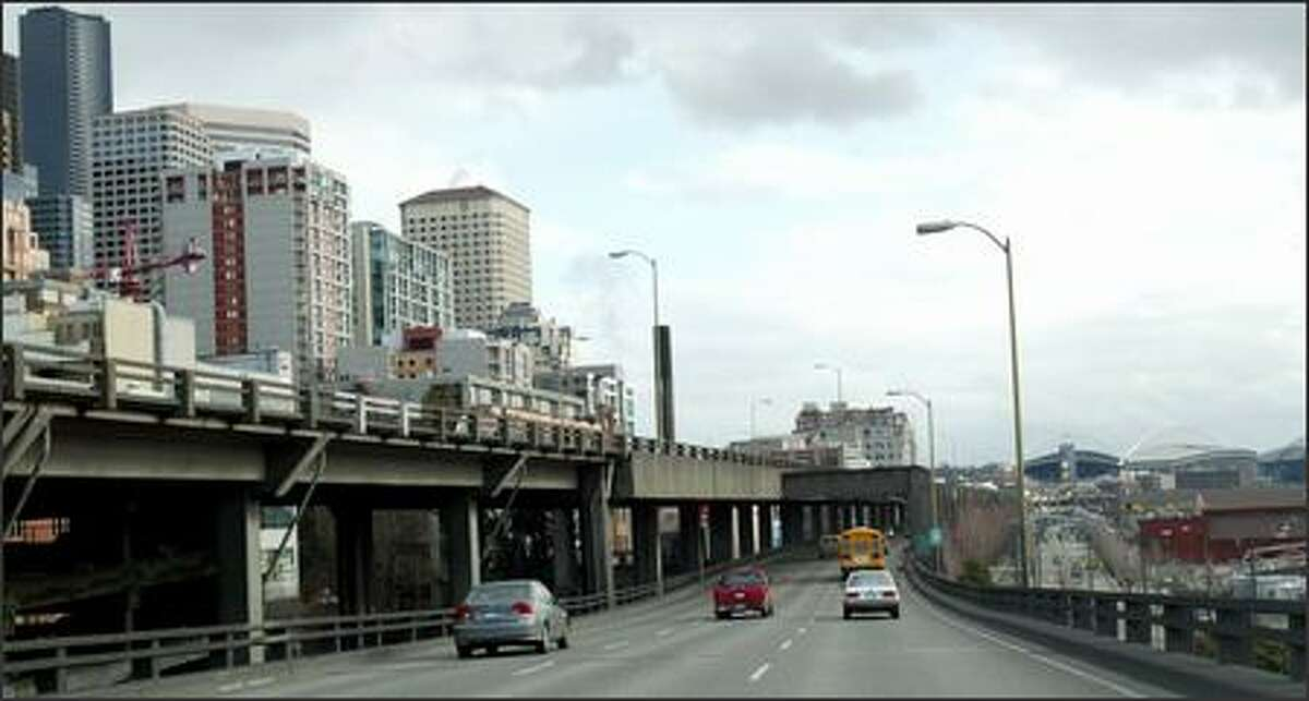 Seattle voters have until Tuesday to have their say on what should be done about the aging, earthquake-damaged Alaskan Way Viaduct.