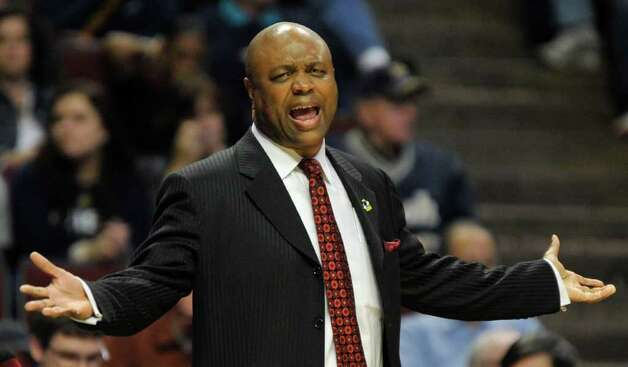 Florida State head coach Leonard Hamilton reacts in the first half of a second-round NCAA Southwest Regional tournament college basketball game against Texas A&M in Chicago, Friday, March 18, 2011. (AP Photo/Jim Prisching) Photo: AP Photo/Charles Rex Arbogast