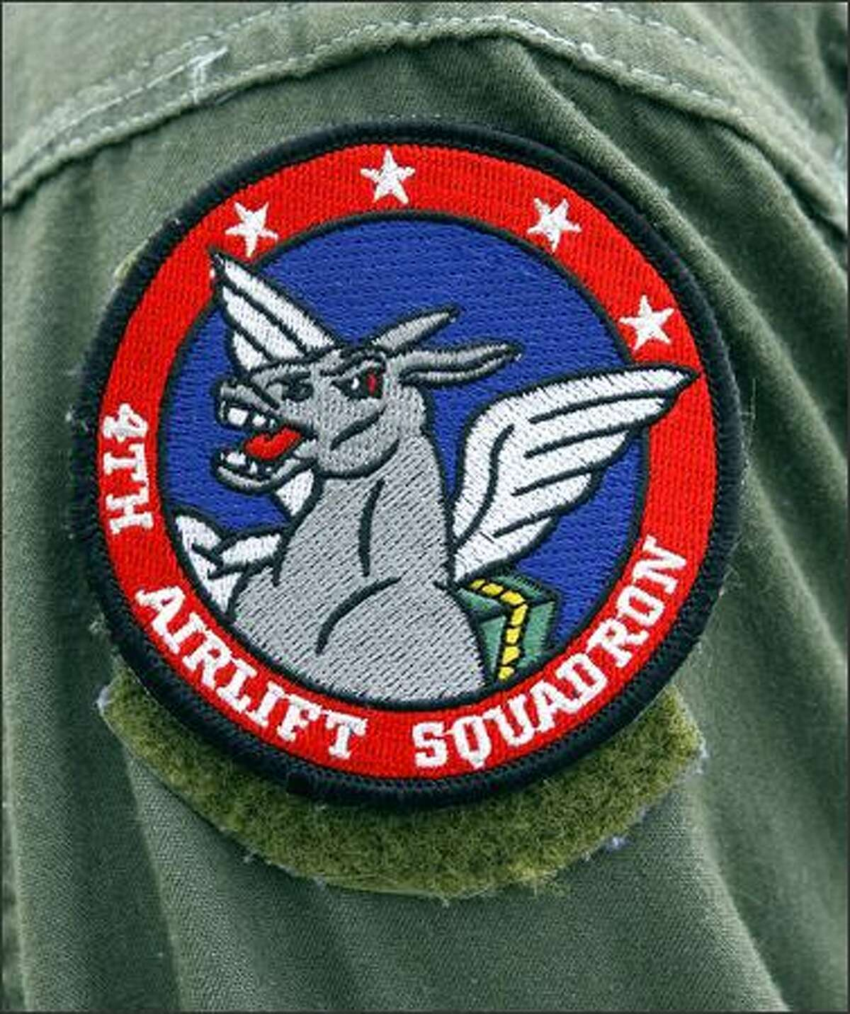 Arm patch of the 4th airlift squadron.