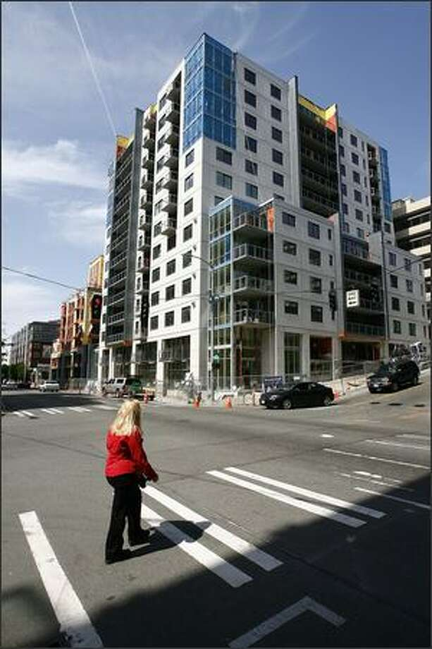 The Parc, seen from the corner of Western and Cedar in Belltown. The Parc is 90 percent sold with 185 homes. First move-in is this summer. Photo: Gilbert W. Arias/Seattle Post-Intelligencer