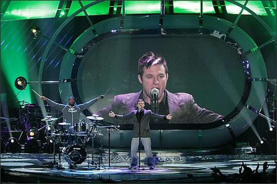 "Blake Lewis performs on ""American Idol"" at the Kodak Theatre in Los Angeles on Tuesday. Photo: / Fox"