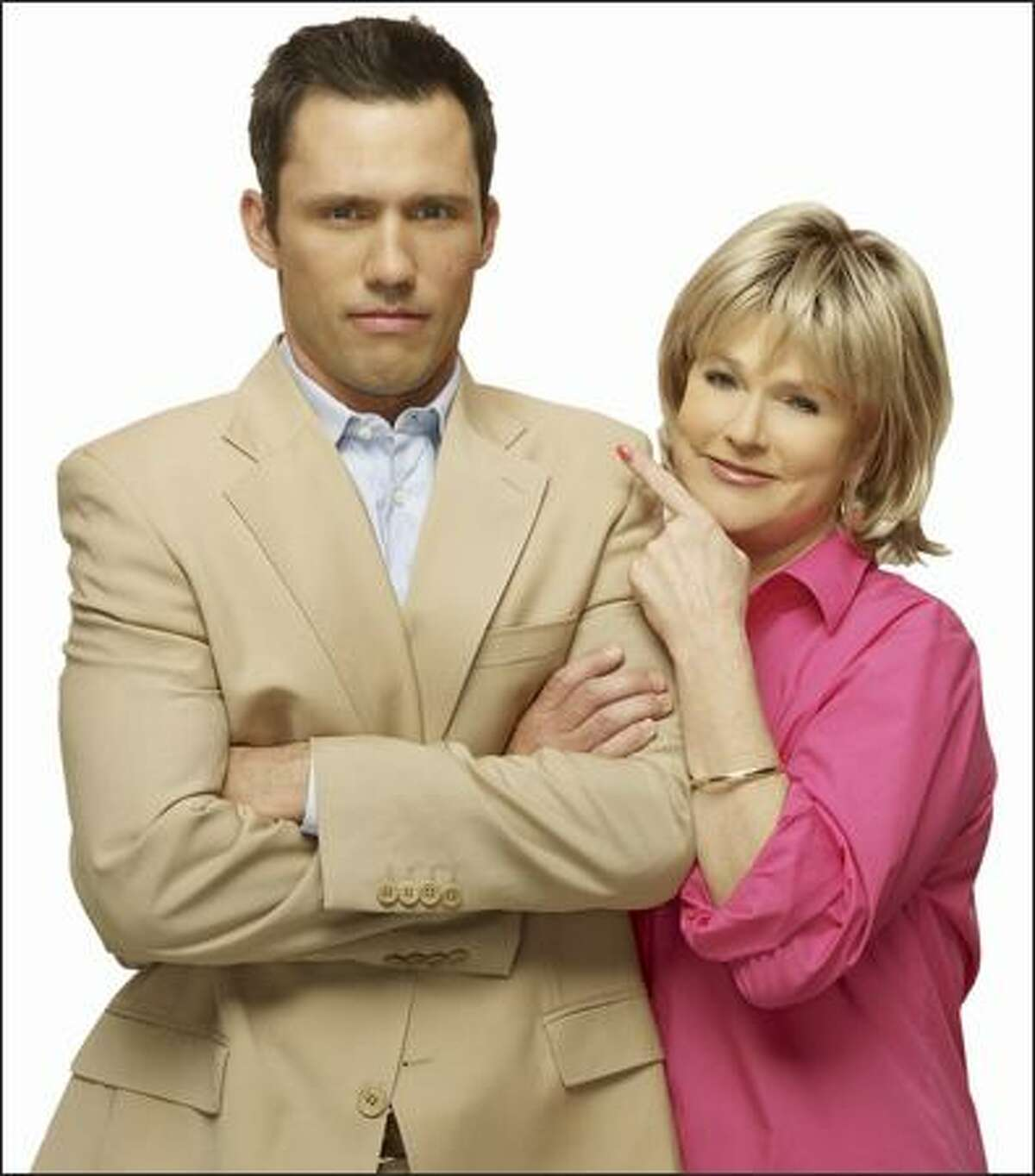 """Jeffrey Donovan's fired spy, Michael Westen, has a soft spot for mom, Sharon Gless, in """"Burn Notice."""""""