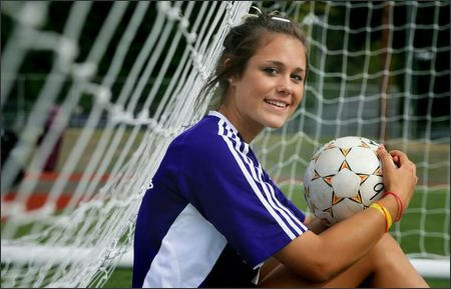 Issaquah senior standout Kate Deines became one of the top soccer players in the state after becoming proficient with heading the ball. The University of Washington recruit and national team player led Issaquah to state titles her freshman and junior seasons. Photo: Dan DeLong/Seattle Post-Intelligencer