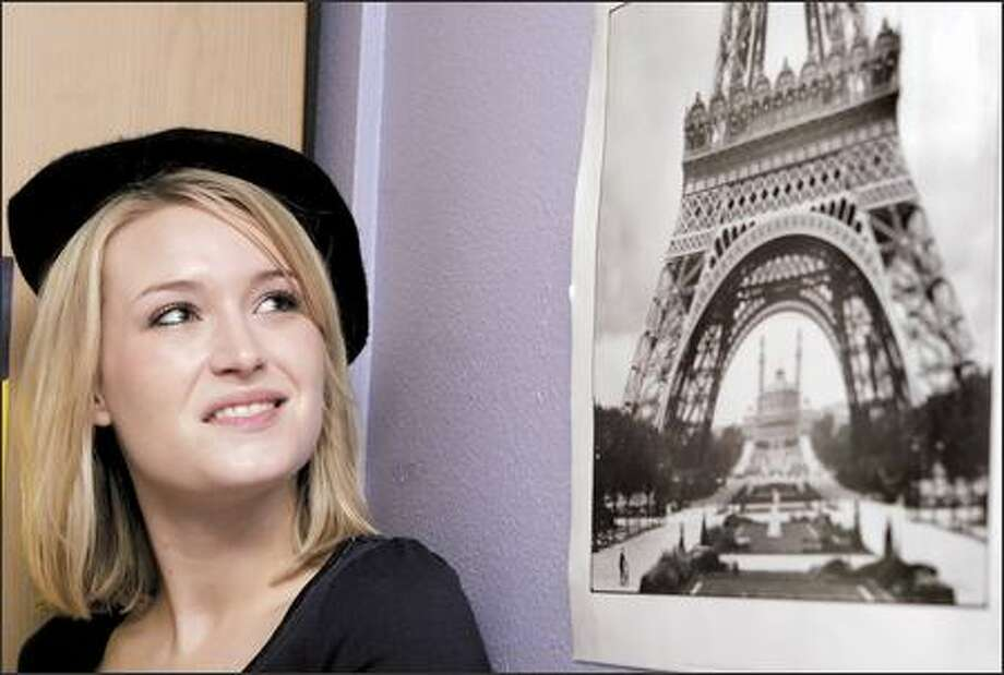 """UW student Laura Hutchinson says British Airways lost her luggage when she flew to Paris for a study-abroad program. """"Instead of going to the Louvre (Museum), I had to go and buy underwear. That's not what you envision for a trip like that,"""" she said. Photo: Amber Trillo/P-I"""