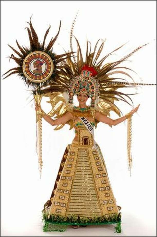 Finalist No. 6 of 10: Elisa Najera, Miss Mexico 2008. Photo: Miss Universe L.P., LLLP