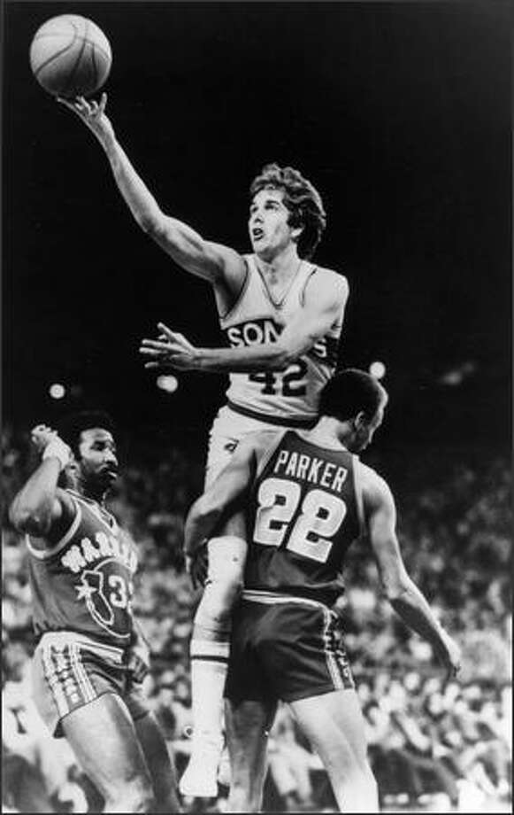 Wally Walker won his second NBA championship ring as a member of the 1978-79 Sonics. Photo: Seattlepi.com