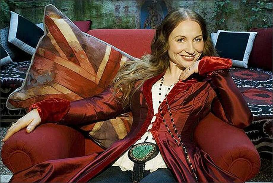 Singer Judith Owen glides easily from traditional folk to jazz. Photo: / Getty Images