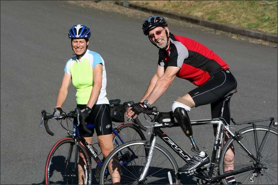 Edward and Linda Sproull are first-timers to the Seattle to Portland Bicycle Classic the 200-mile ride. Photo: Karen Ducey/Seattle Post-Intelligencer