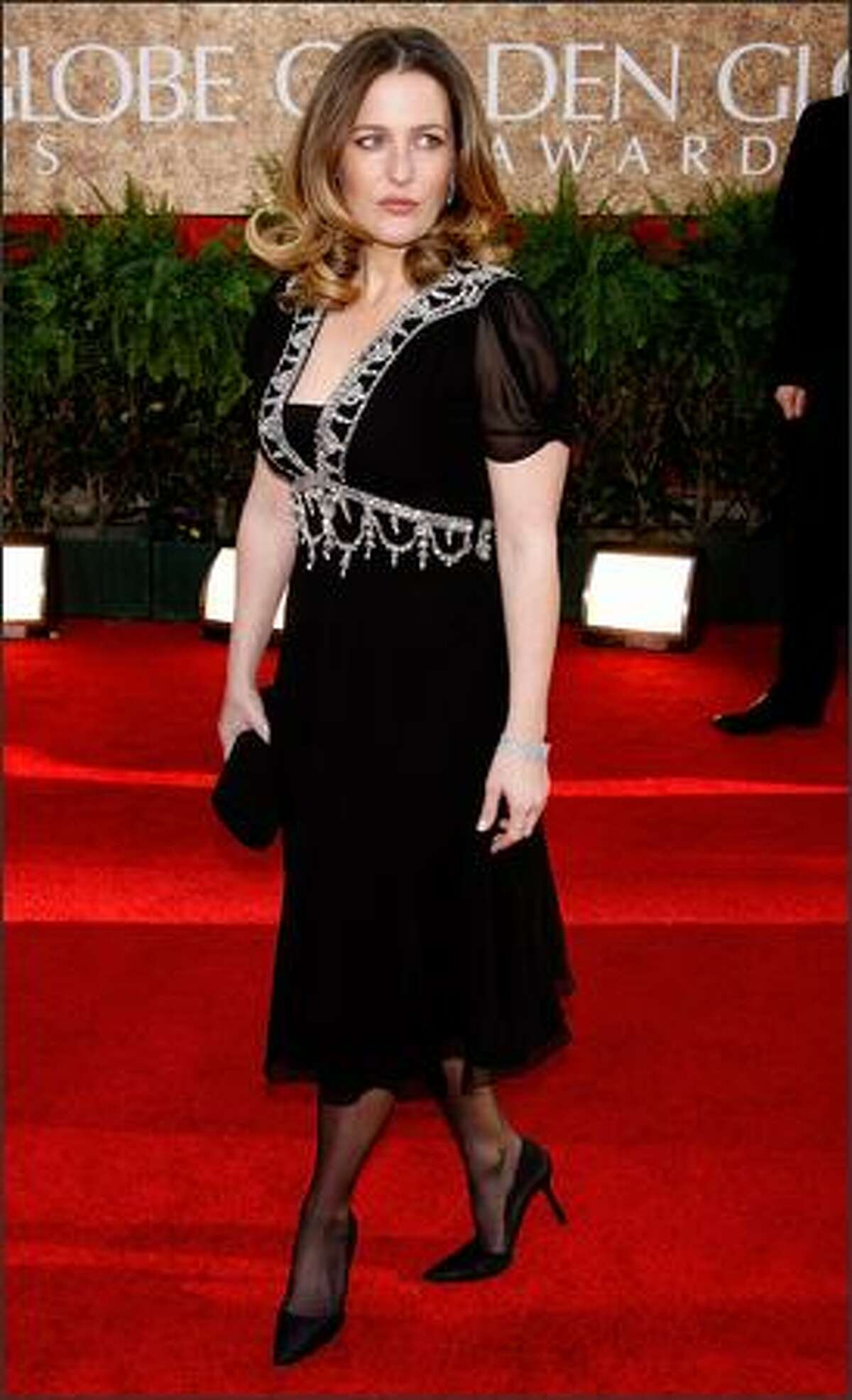 Actress Gillian Anderson arrives at the 64th Annual Golden Globe Awards on Jan. 15, 2007.