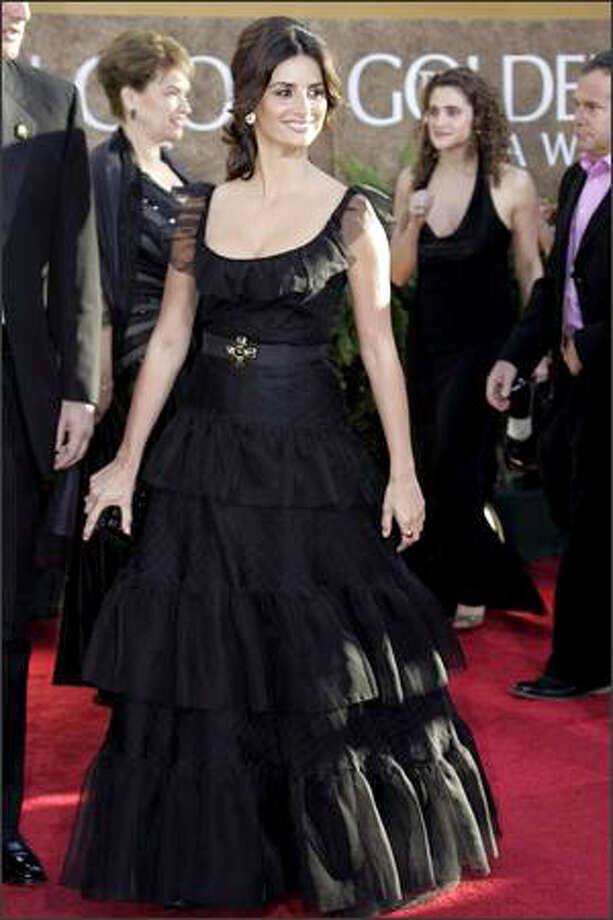 Actress Penelope Cruz arrives at the 64th Annual Golden Globe Awards on Jan. 15, 2007. Photo: Getty Images