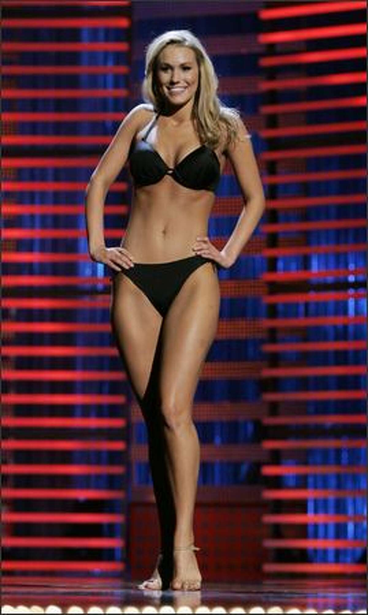 Miss Texas Molly Hazlett won Thursday's preliminary lifestyle and fitness award and will receive a $1,000 scholarship.