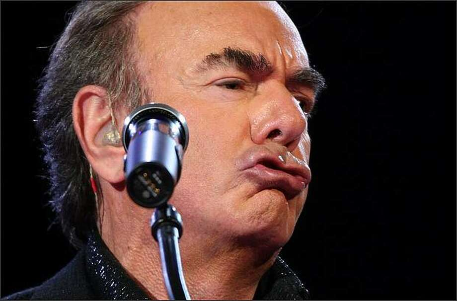 Neil Diamond performs at Key Arena. Photo: Mike Kane/Seattle Post-Intelligencer