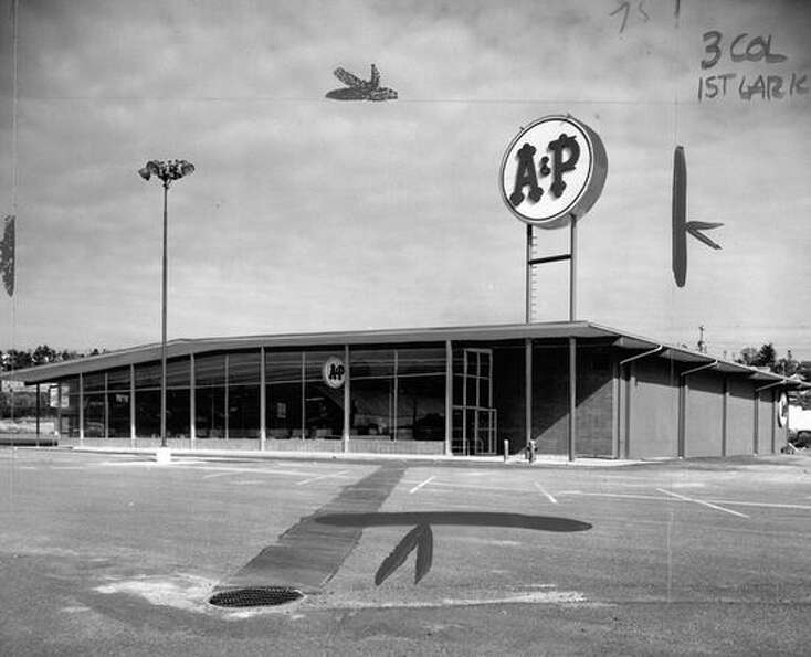 A March 1960 photo of the A&P grocery store at University Village. (seattlepi.com file)