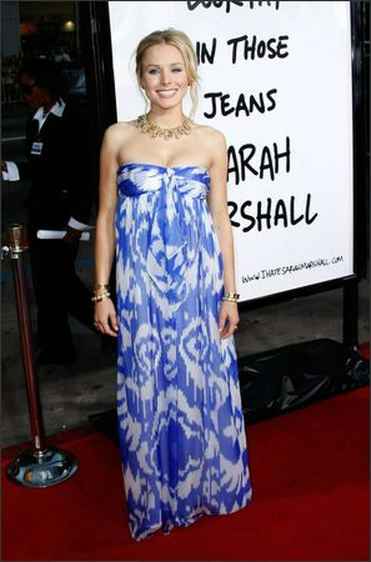 """Actress Kristen Bell arrives at the premiere of Universal's """"Forgetting Sarah Marshall"""" at Grauman's Chinese Theatre in Hollywood, Calif."""
