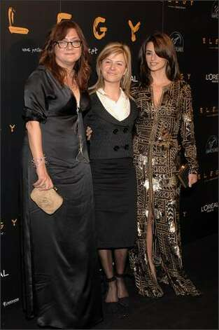 "Director Isabel Coixet (L), Equality minister Bibiana Aido (C) and actress Penelope Cruz (R) attend the premiere of ""Elegy"" on April 16, 2008 at Capitol cinema in Madrid, Spain. Photo: Getty Images"