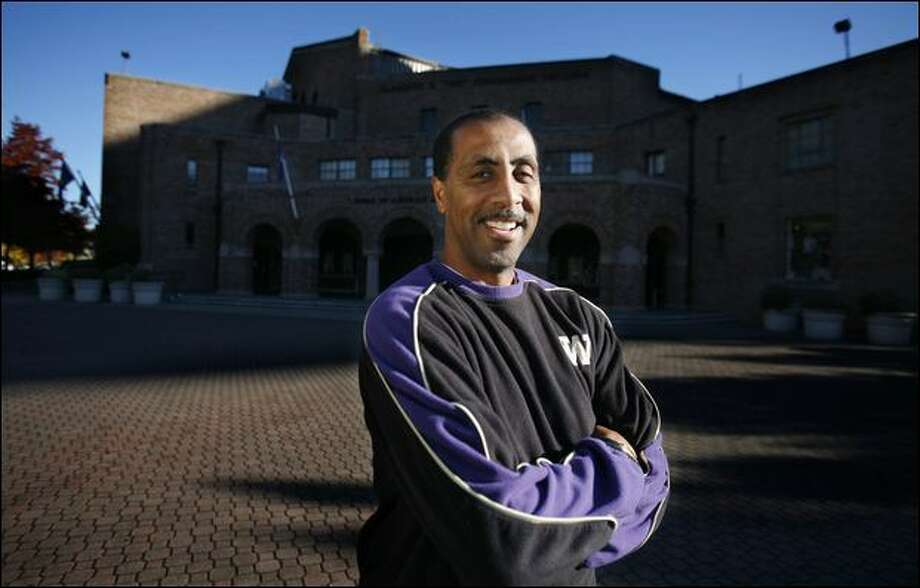 Since Lorenzo Romar was hired as head coach of the University of Washington men's basketball team, every other Pac-10 program but one has changed coaches. Photo: Paul Joseph Brown/Seattle Post-Intelligencer