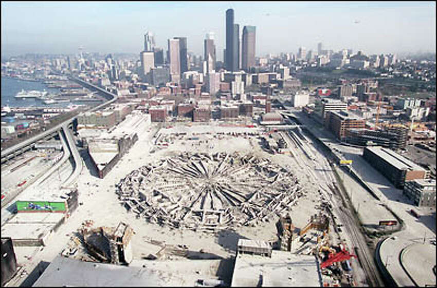 Pulling back a bit, here's how the now-Domeless neighborhood looked Sunday morning.