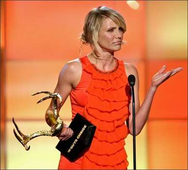 "Actress Cameron Diaz accepts the ""Decade of Hotness"" award. Photo: Getty Images"