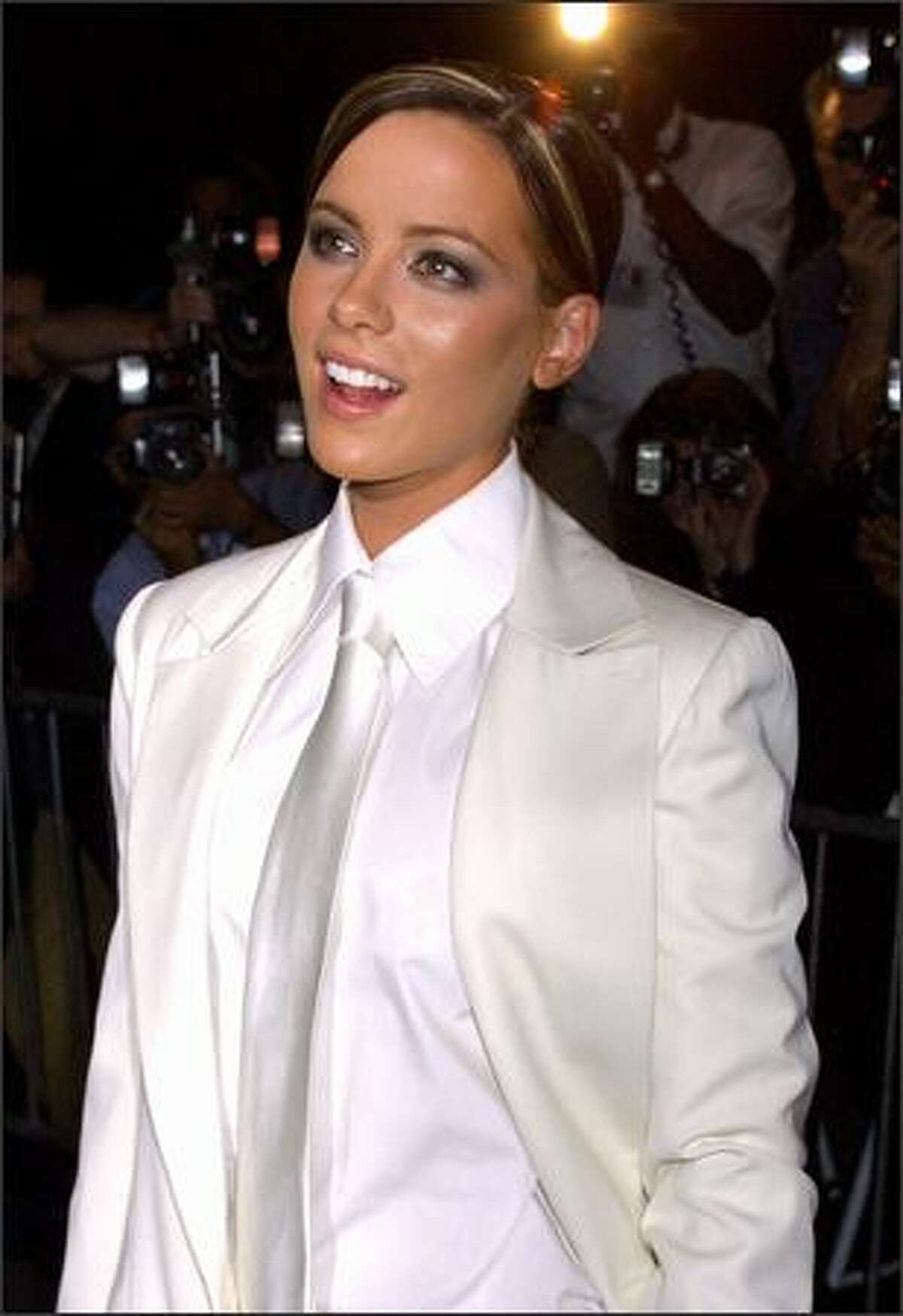 """Kate Beckinsale attends the premiere of the film """"Serendipity"""" Oct. 3, 2001 at the Ziegfeld Theatre in New York."""