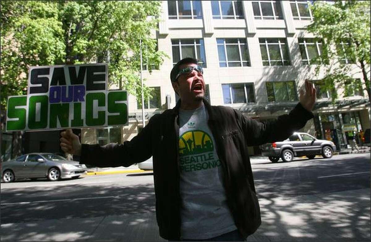Seattle Sonics fan John Roberts chants