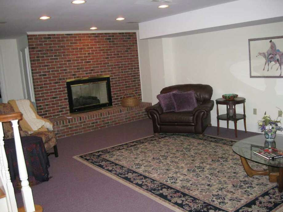 Address: 39 Masters Common North, Queensbury   Discuss: Talk about this house on Places and Spaces