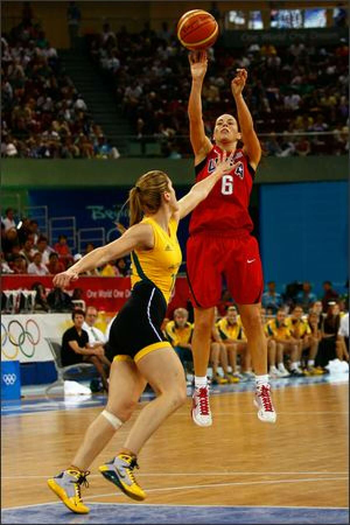 Sue Bird of the United States shoots a jumper.