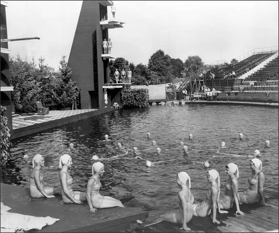 Swimmers at the pool at the Green Lake Aqua Theater shortly after the Aqua Follies troupe arrived in Seattle in 1957. Photo: P-I File