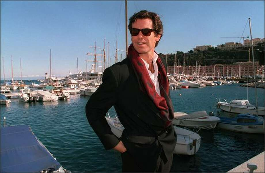 Pierce Brosnan poses on February 25, 1995 during a photo call in Monaco. Photo: Getty Images