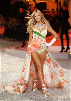 Heidi Klum walks the runway. Photo: Getty Images