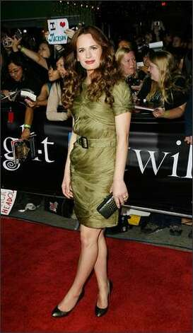 "Actress Elizabeth Reaser (Esme Cullen) attends the premiere of ""Twilight"" in early years.  (Getty Images) Photo: Getty Images"